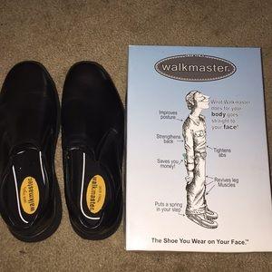 Brand new walkmaster shoes for Men